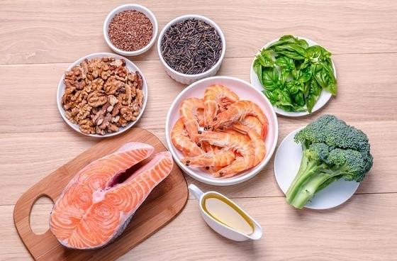 """Omega-3 mastné kyseliny – """"zdravé tuky"""" aich vplyv na zdravé starnutie"""